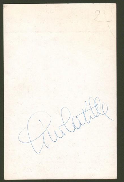 LATILLA GINO (Bari 1924- Firenze 2011), cantante di musica leggera. Firma autografa a retro di cartolina che lo raffigura.