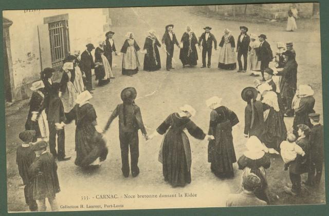 Francia. France. Noce bretonne dansant la Ridèe. Non viaggiata, inizio '900.