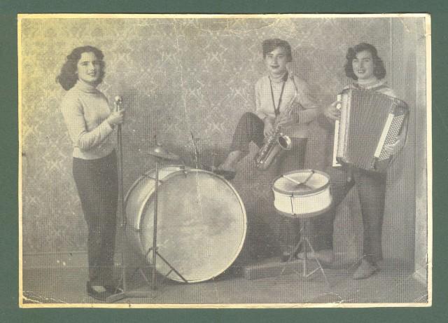 Lazio. CASSINO, Frosinone. Trio sorelle Fella.