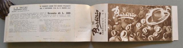 PUBBLICITA'. Anno 1947, libretto offerto dal TOURING CLUB ITALIANO ai soci, contenente 20 tagliandi pubblicitari che danno diritto ad uno sconto su noti prodotti.