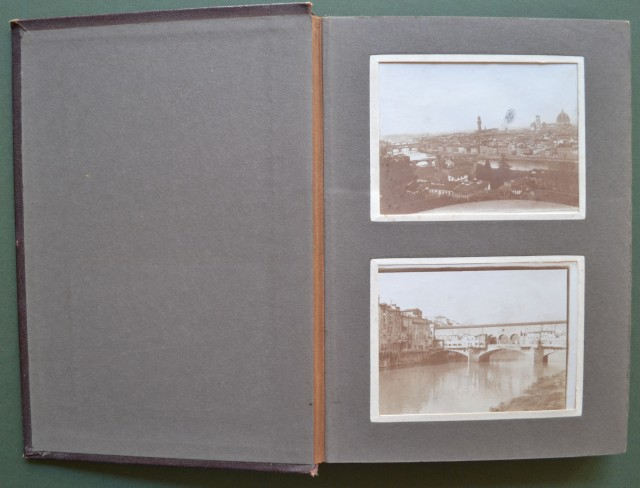 ITALIA - ALBUM D''EPOCA (circa 1910) di cm 15x22 contenente 36 foto.