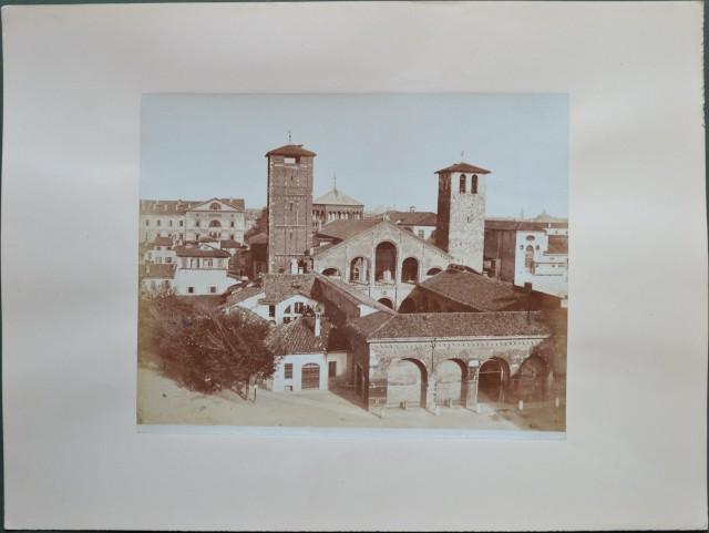 MILANO. Tre foto stampate all'albumina e databili attorno al 1880.