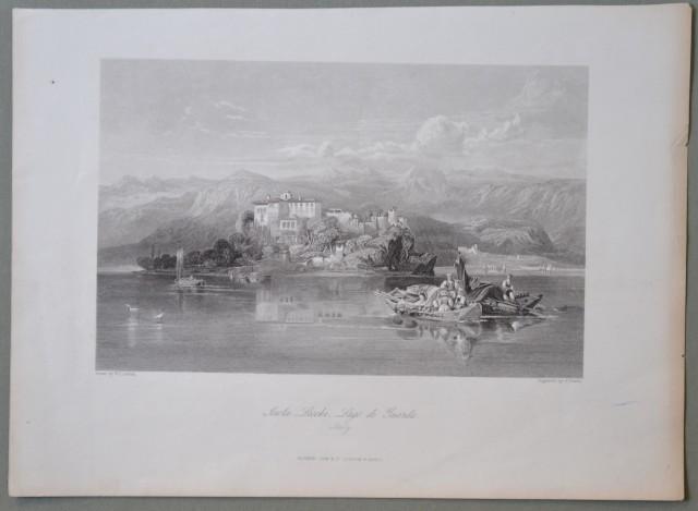 LAGO DI GARDA. Isola Lecchi. Decorativa veduta con barche in primo piano.