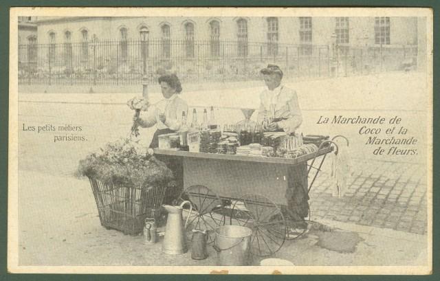 FRANCIA. FRANCE. Les petits mètiers parisiens.La Marchande de Coco et la Marchande de fleurs. Cartolina d'epoca viaggiata dentro busta. Primi '900.
