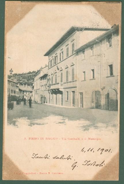 SAN PIERO IN BAGNO, Forlì - Cesena. Via Garibaldi e il Municipio.