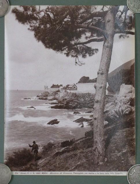 Nervi (Genova). Splendida vista della marina e della torre di villa Groppallo.