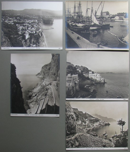 Campania- Insieme di 5 foto d'epoca: Amalfi, Portici, Piano di Sorrento, Capri.