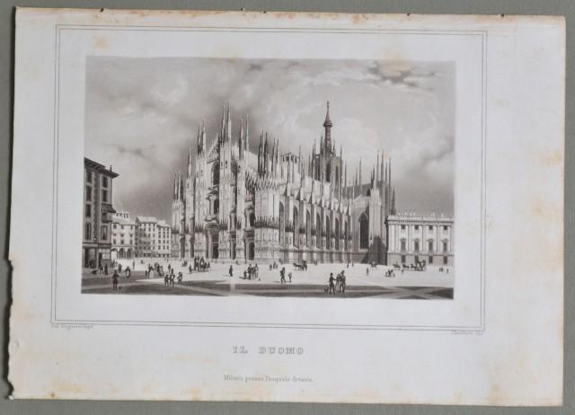 LOMBARDIA - MILANO. Il Duomo. Bella animata veduta della piazza.
